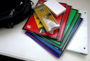 school-supplies-1582082_1920
